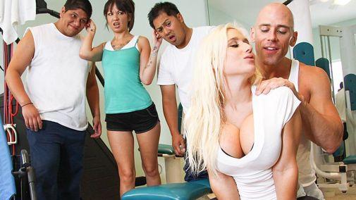 Порно Спорт Сиськи