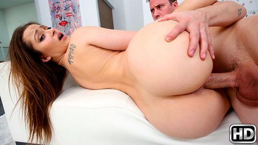 Порно жесткое порно с брюнеткой hd